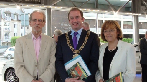 Photo shows (left to right); Brendan Lynch, Dublin Lord Mayor, Oisin Quinn and MEP Emer Costello.